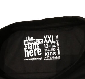 T-shirt filmowy Neli ze skunksem - Przytul Skunksa